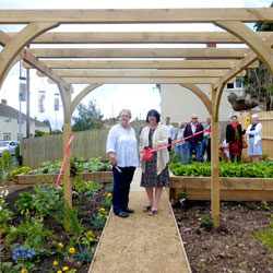 LESLEY MCKAY STRONGER COMMUNITIES AWARD RECOGNISES LOCAL NEIGHBOURHOOD PROJECT