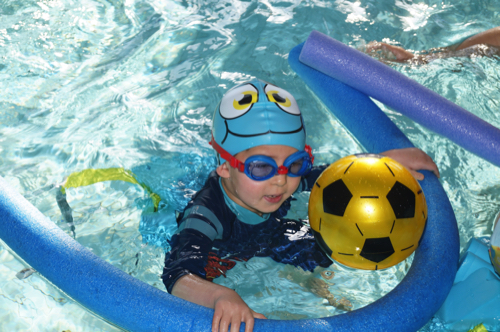 Nursery Sponsored Swim Exceeds £1,000 for KEMP for Kids
